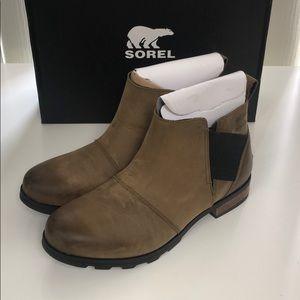 Sorel Emelie Chelsea women's size 11 boots